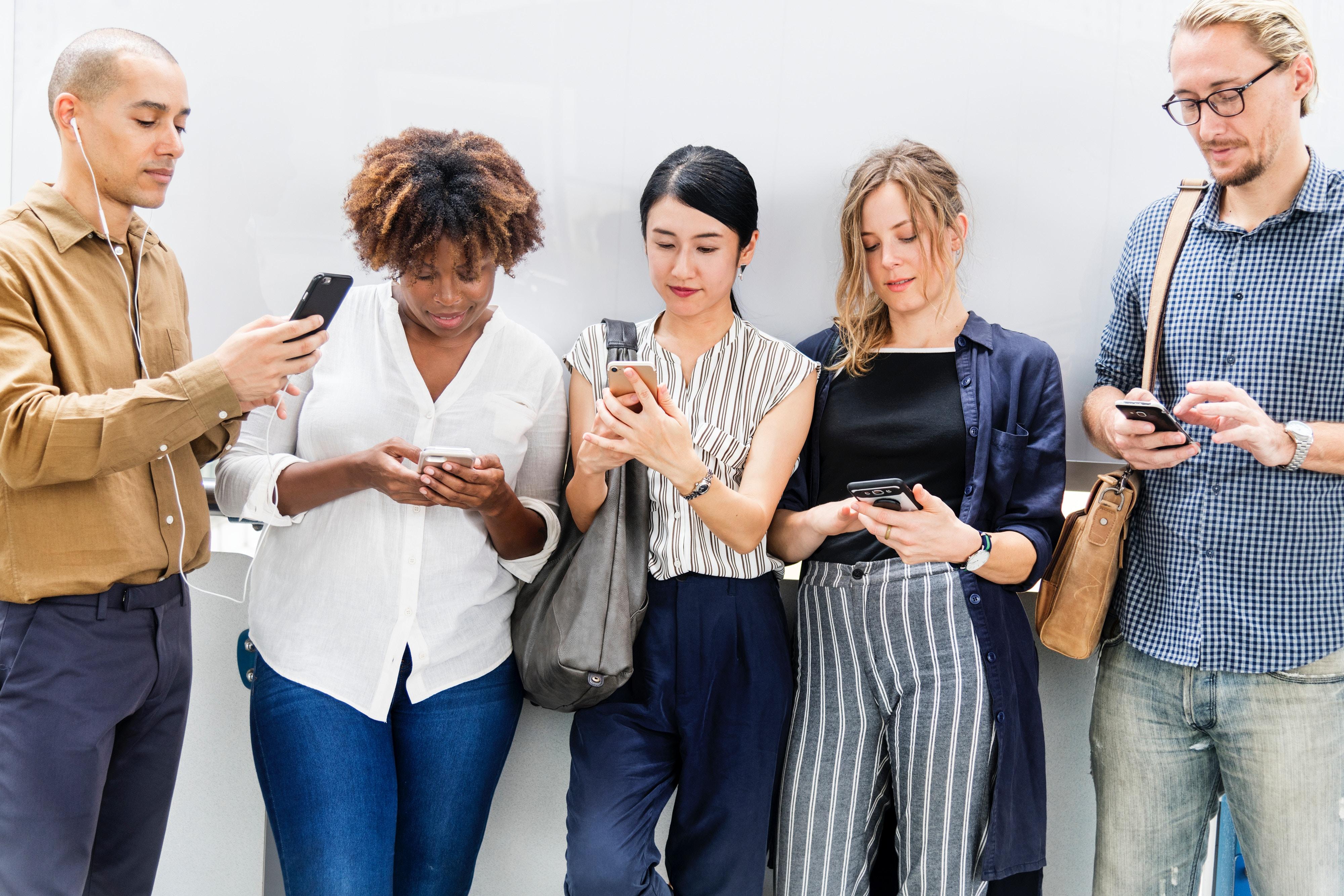 Facebook mobile social media smart phone digital marketing